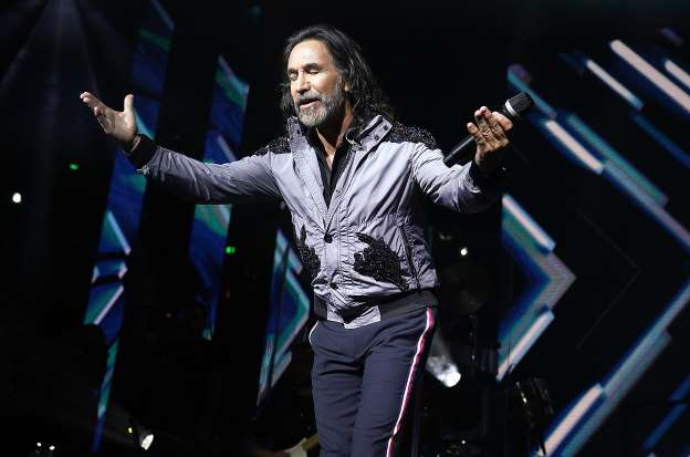 Marco Antonio Solis at Hollywood Bowl